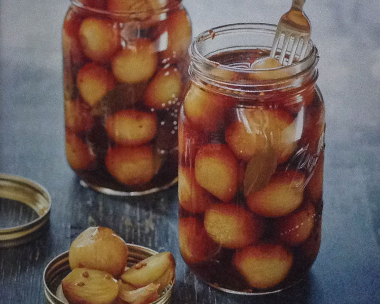 Old-Fashioned Pickled Onions